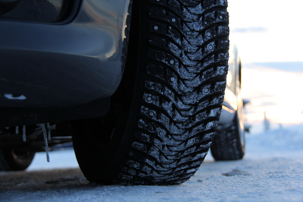 Michelin X-ICE NORTH 3 tyre thorns  (52)